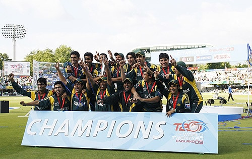 The Pakistan national team celebrate with the trophy after winning the final ICC World Twenty20 match against Sri Lanka at Lords. (AFP Photo)