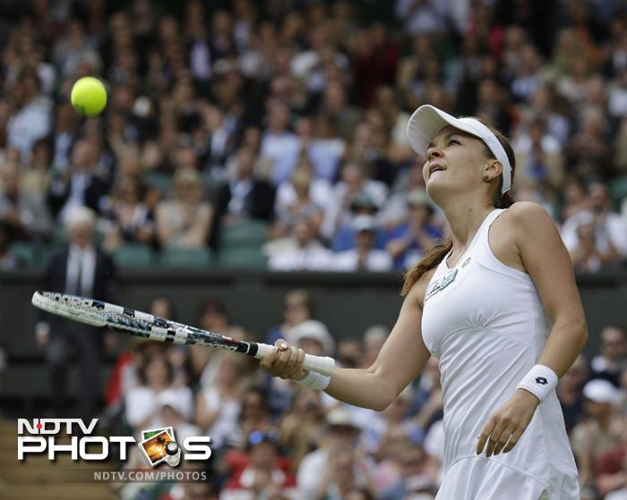 Radwanska showed no sign of nerves as she completely dominated the match giving Kerber no chance to stage a fightback.