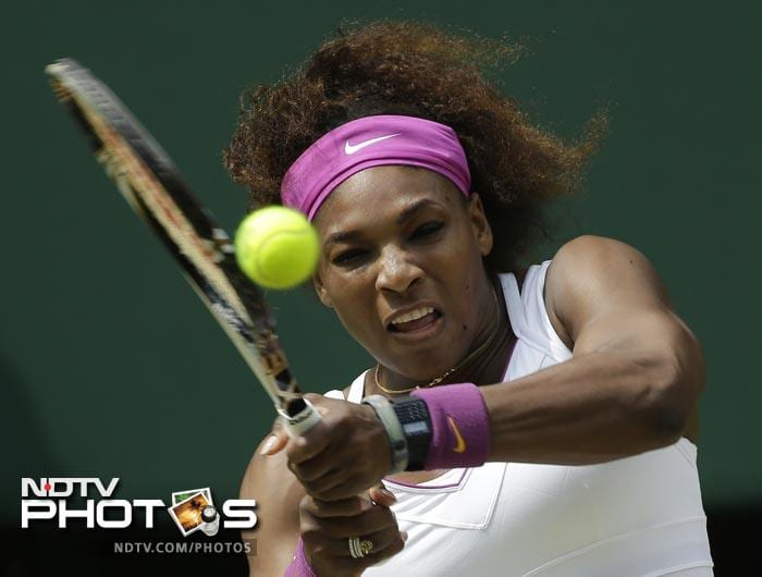 After an effortless win in the first set Serena saw herself pushed to the limit by Azarenka as the second set went into a tie-breaker with both players matching each other with magnificent rallies and strokes.