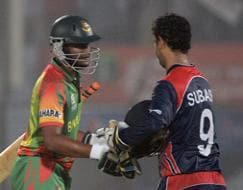Photo : World T20: Bangladesh inch closer to main draw, Afghans hammer Hong Kong