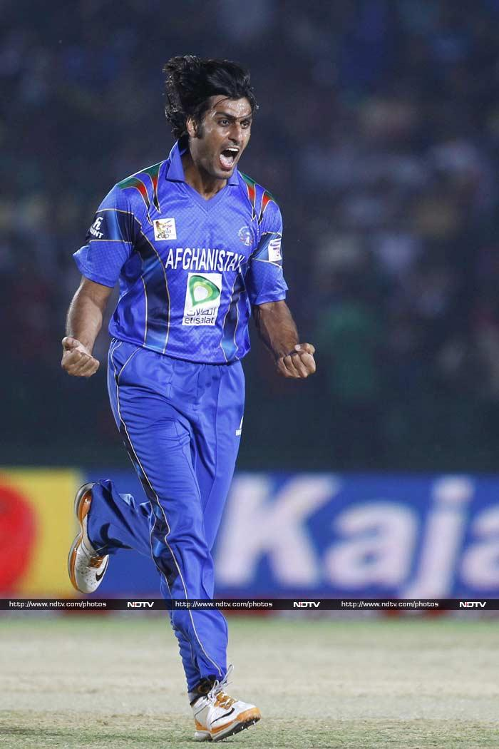 Left-arm pacer Shapoor Zadran, who commentator Russell Arnold called as 'Shoaib Akhtar-lookalike', gave a brilliant start to Afghanistan in the second innings as Bangladesh lost opener Shamsur Rahman in the very first over.