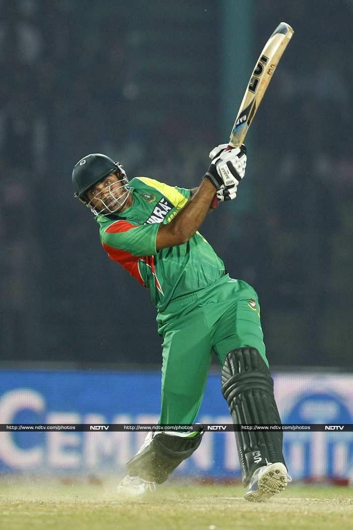Ziaur Rahman (41 off 22, in pic) and Nasir Hossain (41 off 60) did their bit to take the match right down to the wire, raising hopes of the Bangladesh fans but Afghanistan kept hitting back with regular wickets.