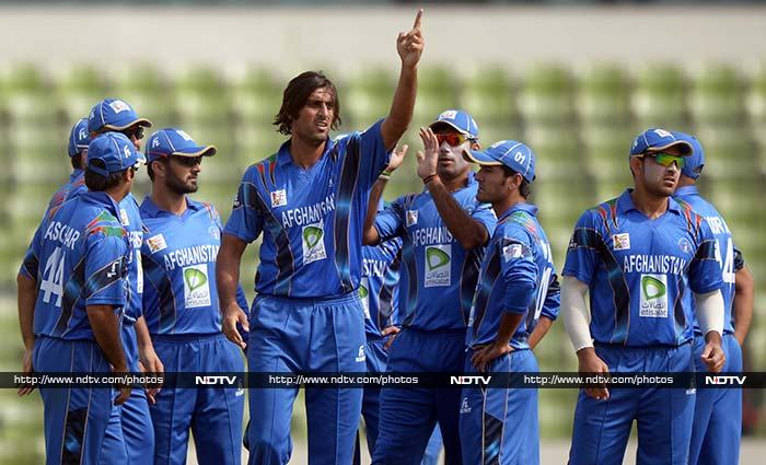 Sri Lanka elected to bat after winning the toss but their start was not perfect as Afghanistan left-arm pacer Shapoor Zadran dismissed Lahiru Thirimanne for 5.