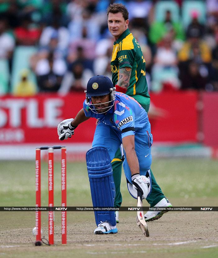 It was a chase-able target but the hostile South African pacers ensured that India stood no chance. (AFP image)