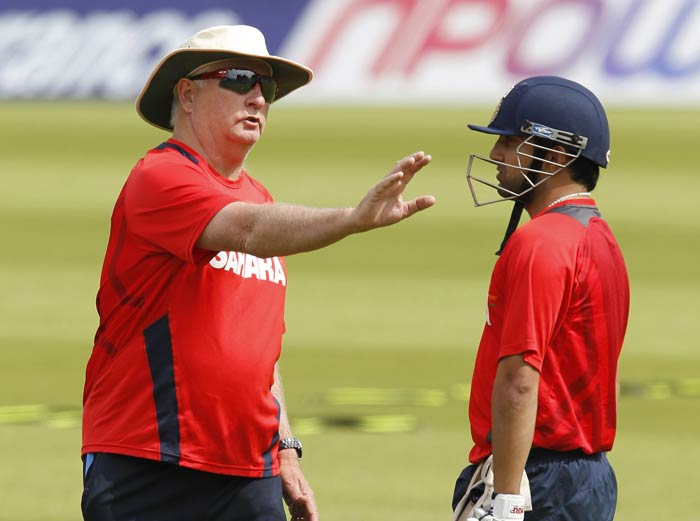 India's coach Duncan Fletcher (L) talks with player Gautam Gambhir during a practice session. (AFP Photo)