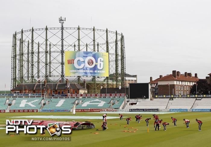 The England squad take part in a team training session ahead of the fourth Test. England already lead the series 3-0. (AFP Photo)