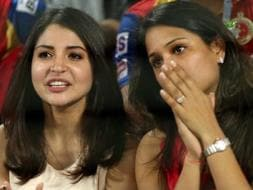 Photo : Anushka Sharma Bonds With Squash Star Dipika Pallikal