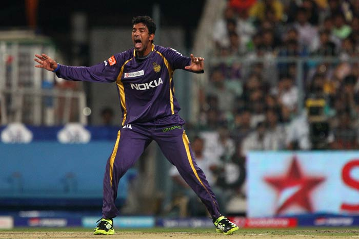 All rounder Madhushanka Senanayake of Kolkata Knight Riders appeals for the wicket of Kings XI Punjab's Adam Gilchrist. <br><br> In the 2011-12 Sri Lanka Premier League tournament, he was the highest wicket-taker with 16 wickets in six games at an average of 11.18. (BCCI image)