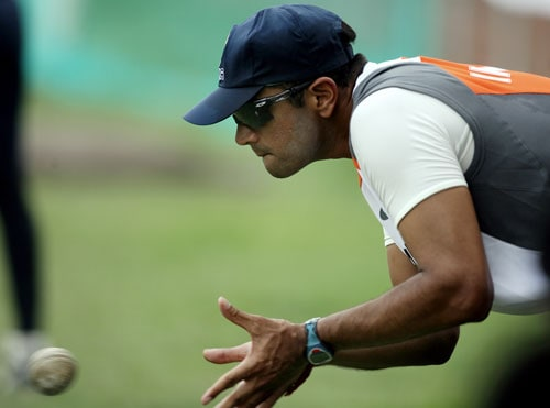 Rahul Dravid (198) needs two catches to become the first fielder in Test annals to complete a double century of catches. <br><br>Dravid (16) requires one catch to establish a record for most catches by an Indian fielder against New Zealand. Ajit Wadekar had also taken 16 catches against New Zealand.