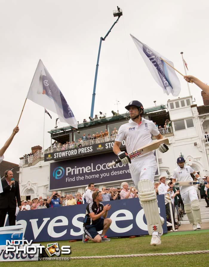England won the toss on an overcast day at Trent Bridge. While the decision to bat first may have surprised many, skipper Alastair Cook looked confident as he made his way out to the middle.