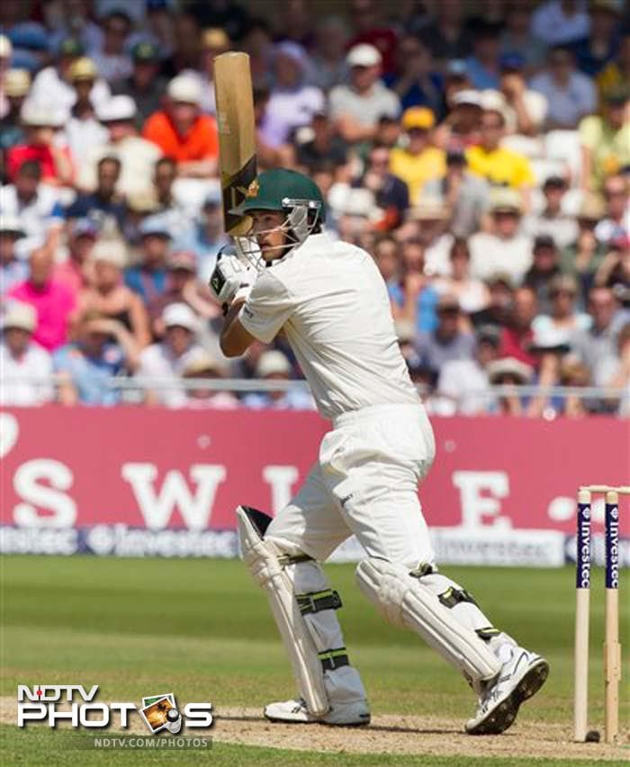 Australia first dug themselves into a hole and then had one man - a debutant - aggressively dig them out with the sheer power of resilient batting.<br><br>19-year-old spinner Ashton Agar made a mark and gained an entry into the record books with his 98 - batting at No. 11 - to help his side take a firm grip of Day 2 of the opening Ashes Test against England.