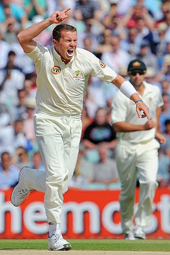 Australian bowler Peter Siddle appeals during the third day of the final Ashes Test match against England at the Brit Oval in London, on Saturday. (AFP Photo)