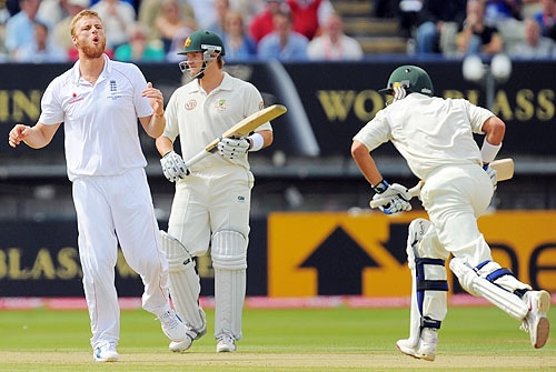 Andrew Flintoff reacts after bowling to Mike Hussey on the final day of the third Ashes Test between England and Australia at Edgbaston in Birmingham. (AFP Photo)