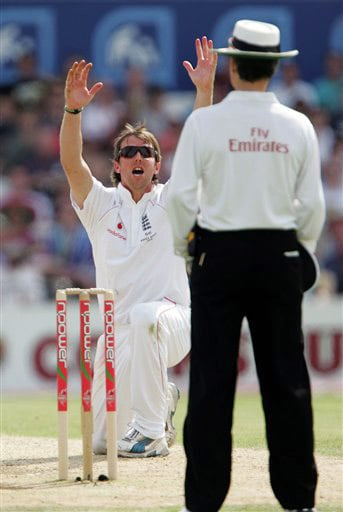 Graeme Swann appeals unsuccessfully for the wicket of Mitchell Johnson on Day 2 of the fourth Test match between England and Australia at Headingley in Leeds. (AP Photo)