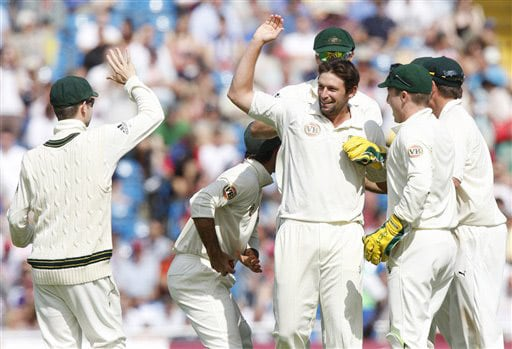 Ben Hilfenhaus celebrates with teammates the wicket of James Anderson on Day 3 of the fourth Test between England and Australia at Headingley in Leeds. (AP Photo)
