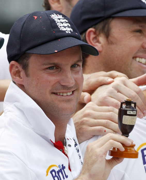 England's captain Andrew Strauss holds the Ashes urn after they won the 5th Ashes Test Match and the series in Sydney. (AP Photo)