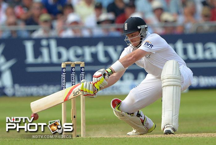 The third day saw England reach 326/6 with Ian Bell and Stuart Broad still at the crease. (All images AP and AFP)