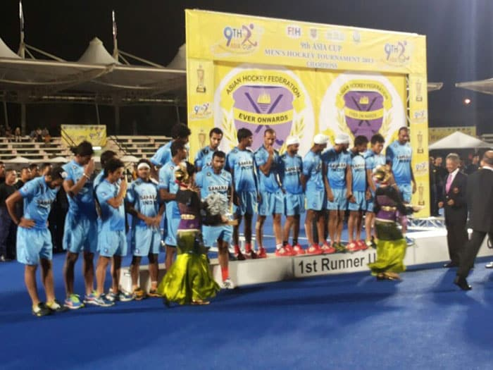 Indian team at the podium after being given the runners-up silver medals.