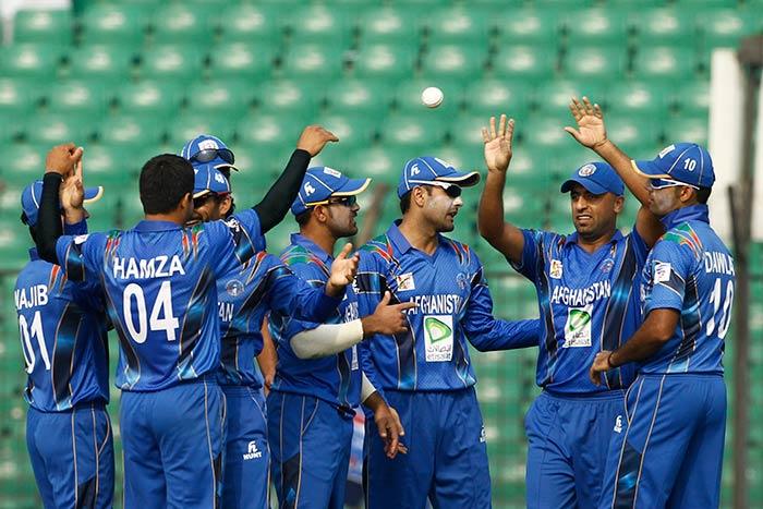 Dawlat Zadran, Mirwais Ashraf and Samiullah Shenwari picked up two wickets each before Umar Akmal came to Pakistan's rescue.