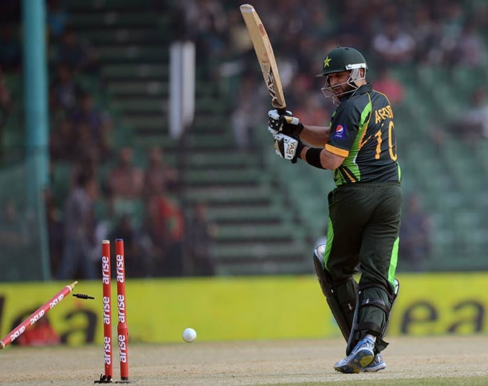 Pakistan ran the risk of being bowled out cheaply after the fall of Shahid Afridi with the score at 117/6