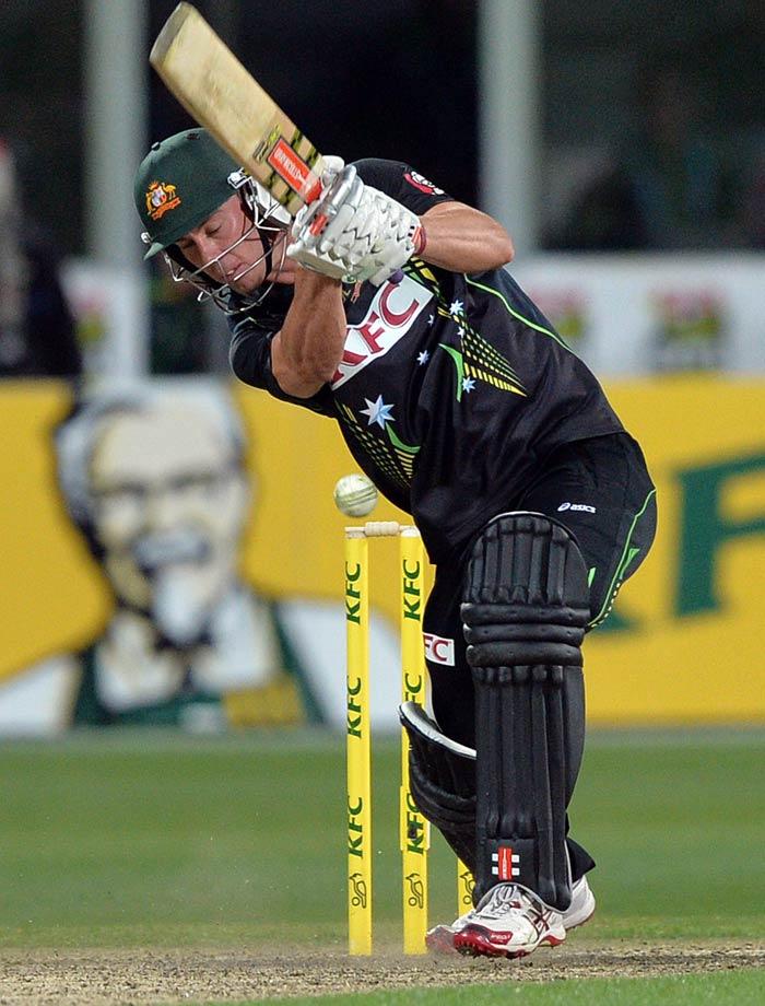 Debutant Chris Lynn slammed 33 off 19 balls as Australia reached 213/4 in 20 overs.