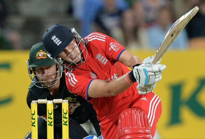 In reply, a flurry of wickets put England on the back foot. Joe Root tried to keep the visitors afloat, but in vain.