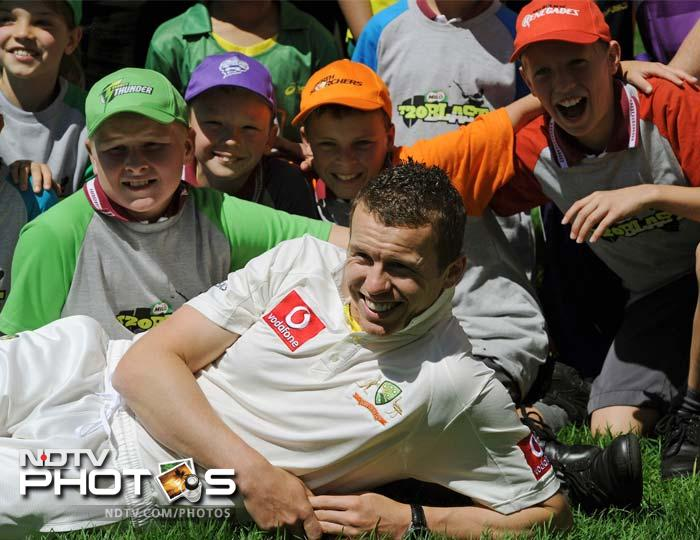 Bowler Peter Siddle is seen here obliging fans. With stiff competition in the playing XI, Siddle will have to fight hard to get a chance to play in the upcoming tours.