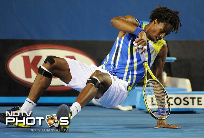 French compatriot Gael Monfils faced another Brazilian in Thomaz Bellucci and even he kept the flag flying high. Monfils won 2-6, 6-0, 6-4, 6-2.