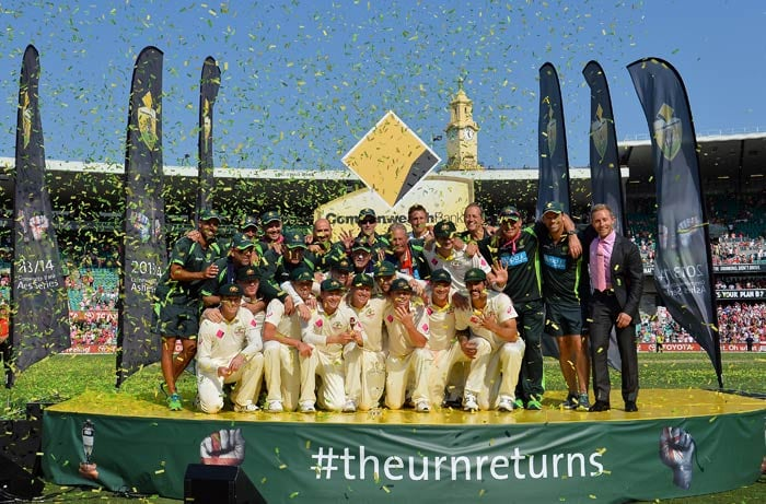 And finally it was time to lift the urn, something that the Aussies haven't been able to do for the past seven years.