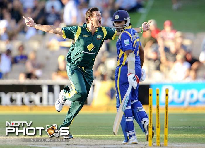 Skipper Mahela Jayawardena (15) was the third wicket to fall and was the first of five for McKay.