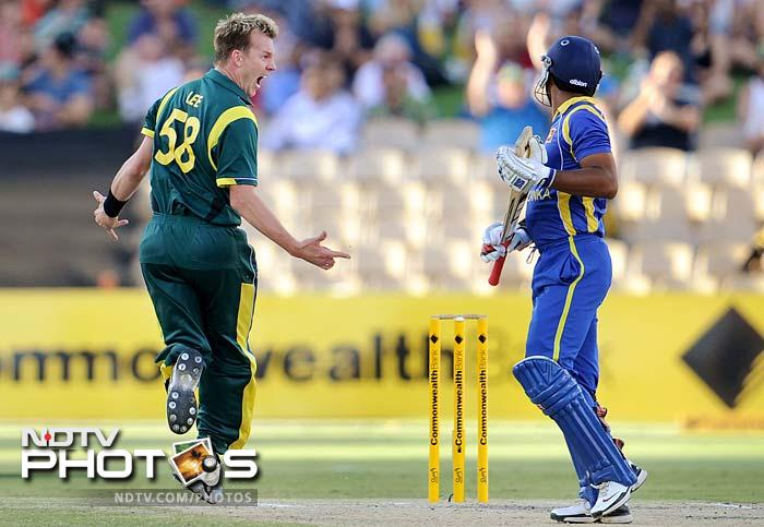 The reply was shaky at best with the Oz pacers striking early. Brett Lee took the wickets of Tillakaratne Dilshan and Kumar Sangakkara with the score on 47.