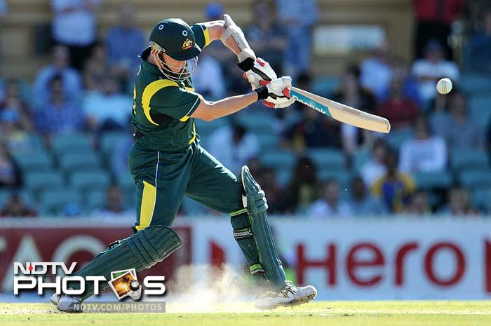 Brett Lee towards the end, held the innings together with his 54-ball 32 and took his team to a respectable total.