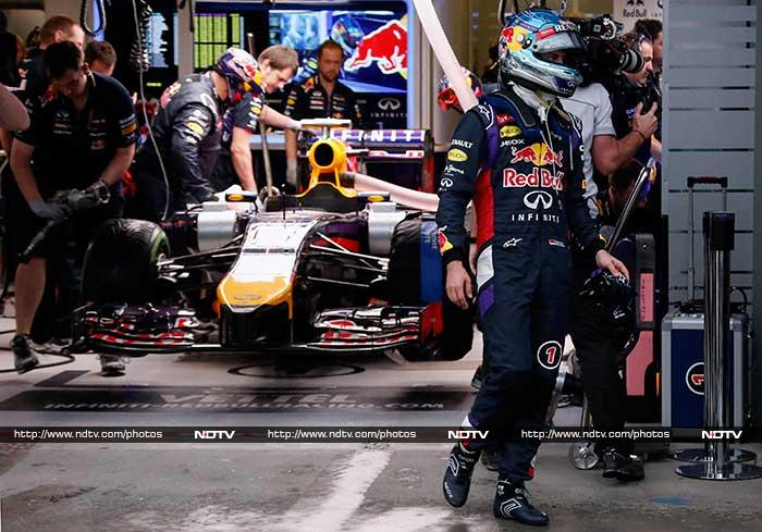 Pole-sitter Lewis Hamilton and world champion Sebastian Vettel were both early casualties as the Formula One season got off to a furious start at the Australian Grand Prix on Sunday.