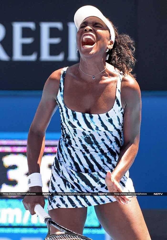 Seven-time Grand Slam champion Venus Williams fell out of the Australian Open at the first hurdle after a marathon clash with Russian 22nd seed Ekaterina Makarova.
