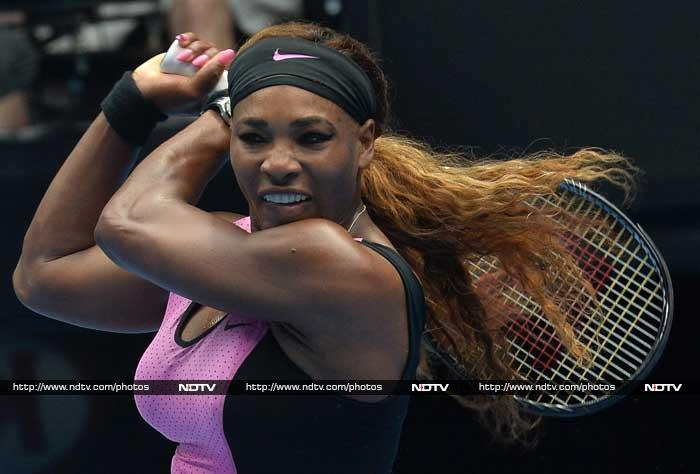 Ice-cool top seed Serena Williams stayed on track for her sixth Australian Open title with a straight-sets demolition of Serbia's Vesna Dolonc. The world number one raced through the match in oven-like conditions on Rod Laver Arena to make the third round with a dominant 6-1, 6-2.