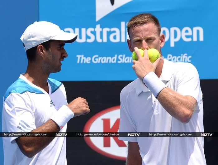 Yuki Bhambri and his New Zealand partner Michael Venus recorded a straight-set win in their Grand Slam debut but Divij Sharan's Australian Open campaign ended in the first round. The 21-year-old Yuki and Venus defeated Spaniards Roberto Bautista Agut and Daniel Gimeno-Traver 6-2 7-5 in their opening round contest.
