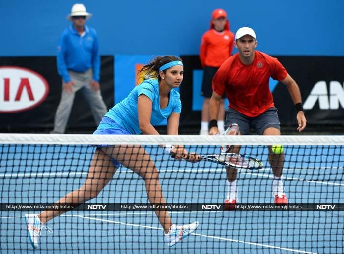 Sania Mirza and Horia Tecau to outplay Anastasia Rodionova and Colin Fleming 6-2, 6-2 in mixed doubles pre-quarterfinal match. Sania and Cara Black beat Eugenie Bouchard and Vera Dushevina 6-4 6-3 to reach the quarter-finals of the women's doubles.