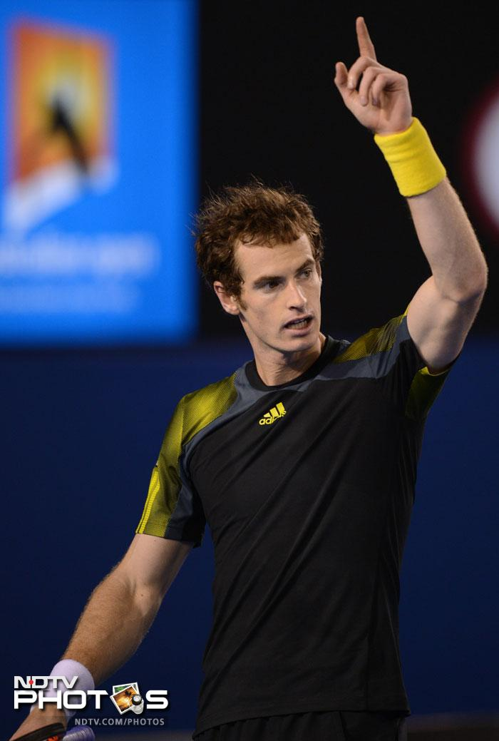 Andy Murray played a good game testing Roger ultimately triumphing to take the first set 6-4.