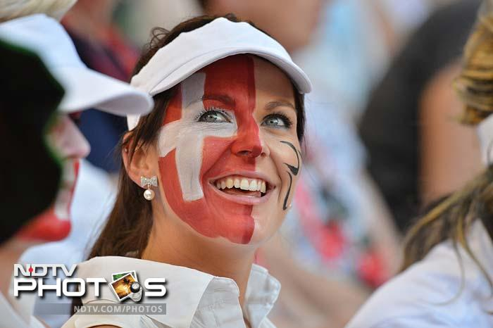 Face painting is another trend followed by the fans at the Australian Open.