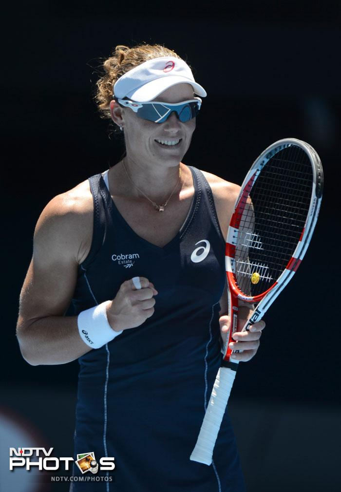 Samantha Stosur dispatched Kai-Chen Chang in straight sets to take the match 7-6, 6-3.