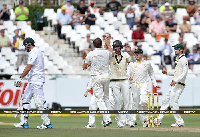 Graeme Smith managed scores of 5 and 3 in the first and second innings respectively as South Africa conceded the third Test by 245 runs to allow Australia clinch the series 2-1.