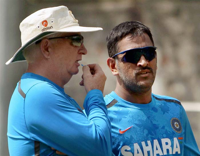 Dhoni and Fletcher plot a 4-0 whitewash of the Aussies!