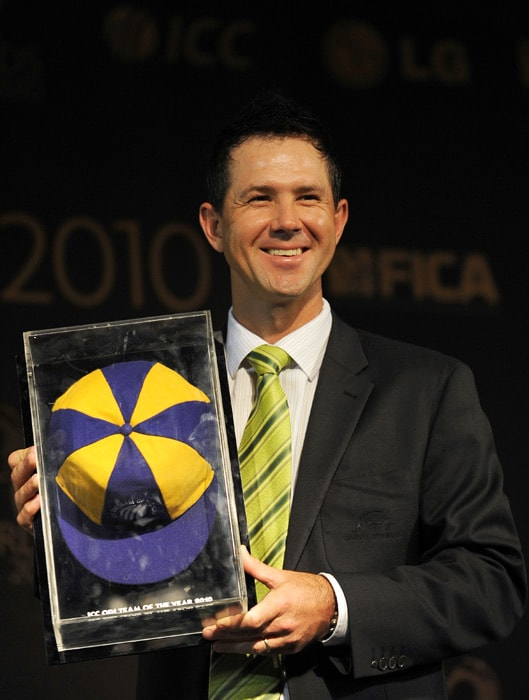 Australia captain Ricky Ponting is named captain of the ICC World ODI Team of the Year in 2009. Members of the Team are: Sachin Tendulkar (Ind), Shane Watson (Aus), Michael Hussey (Aus), AB de Villiers (SA), Paul Collingwood (Eng), Ricky Ponting (Aus, captain), MS Dhoni (Ind, wicketkeeper), Daniel Vettori (NZ), Stuart Broad (Eng), Doug Bollinger (Aus), Ryan Harris (Aus).