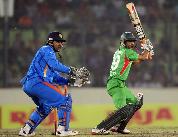 The run-rate may have been on the slower side in the beginning but Nasir Hossain at the other end, ensured that wickets were not gifted away. He scored 54.