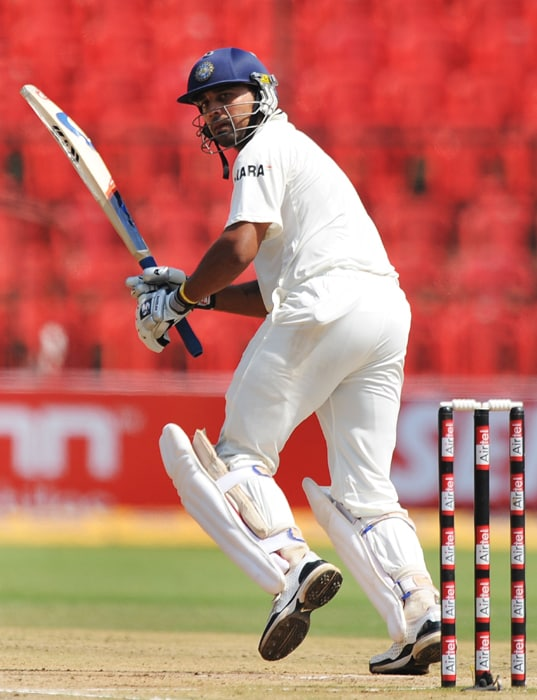 Indian cricketer Murli Vijay plays a shot during the third day of the second Test between India and Australia at M. Chinnaswamy Stadium in Bangalore. (AFP Photo)
