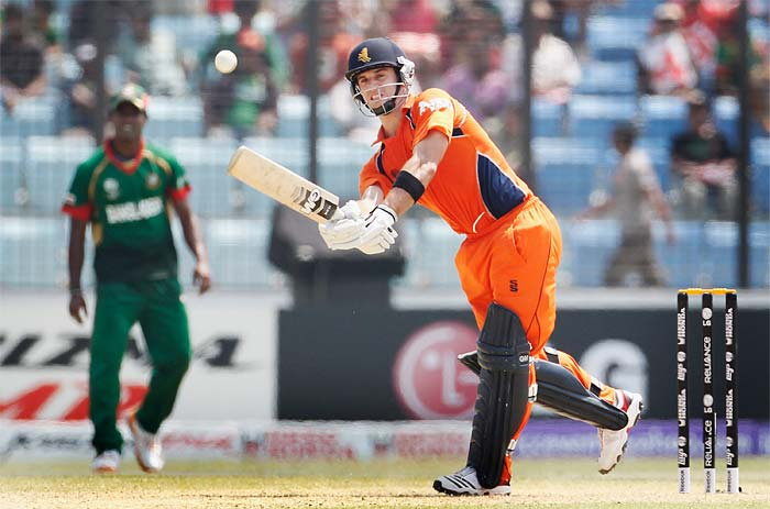 For the Dutch, it was again the ever reliable Ryan ten Doeschate who top-scored and stayed unbeaten on 53, but ran out of partners.