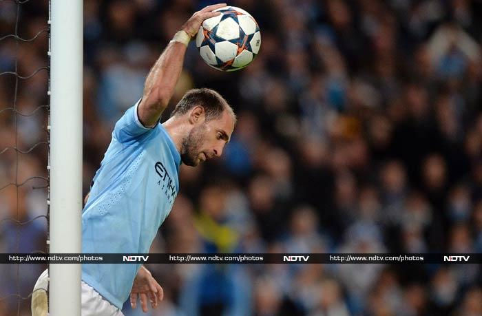 Manchester City's Argentinian defender Pablo Zabaleta reacts to conceeding his team's second goal.
