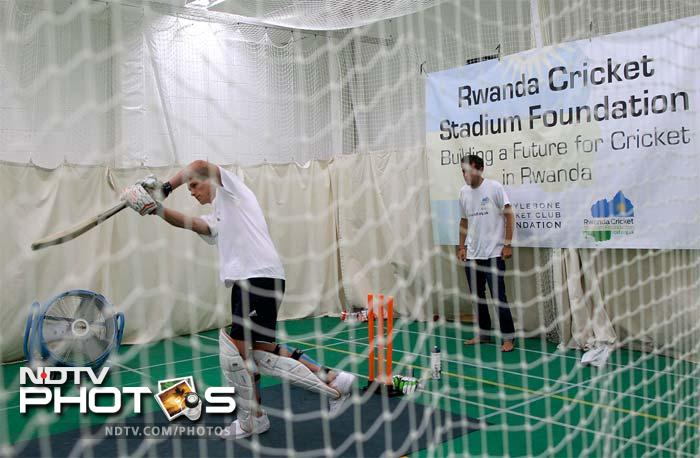 Alby began his marathon stand in the indoor nets at 6:45 am (0545 GMT) on Monday (15th July) and finally declared his innings at 8:45 am on Tuesday (16th July).