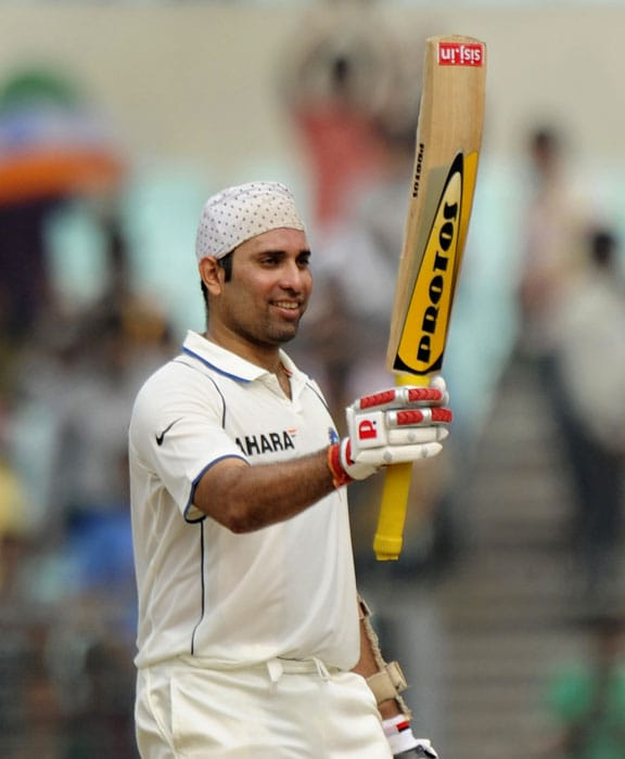 VVS Laxman was also honoured by the BCCI. The veteran batsman retired this year and was honoured for his immense contribution to Indian cricket.