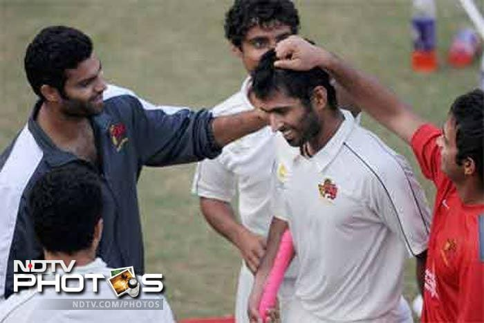 Lala Amarnath Award for the Best all-rounder in the Ranji Trophy was presented to Iqbal Abdullah.